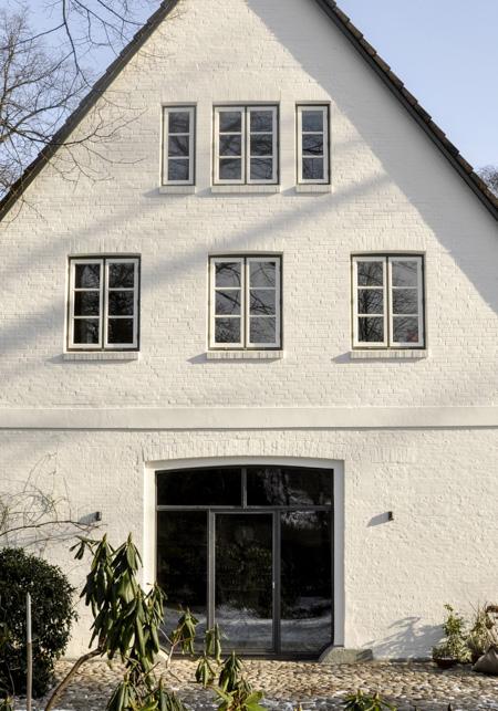 BUB architekten_Fachhallenhaus_Frontbild (1 von 1)